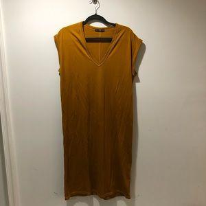 Zara Below the knee T-shirt dress